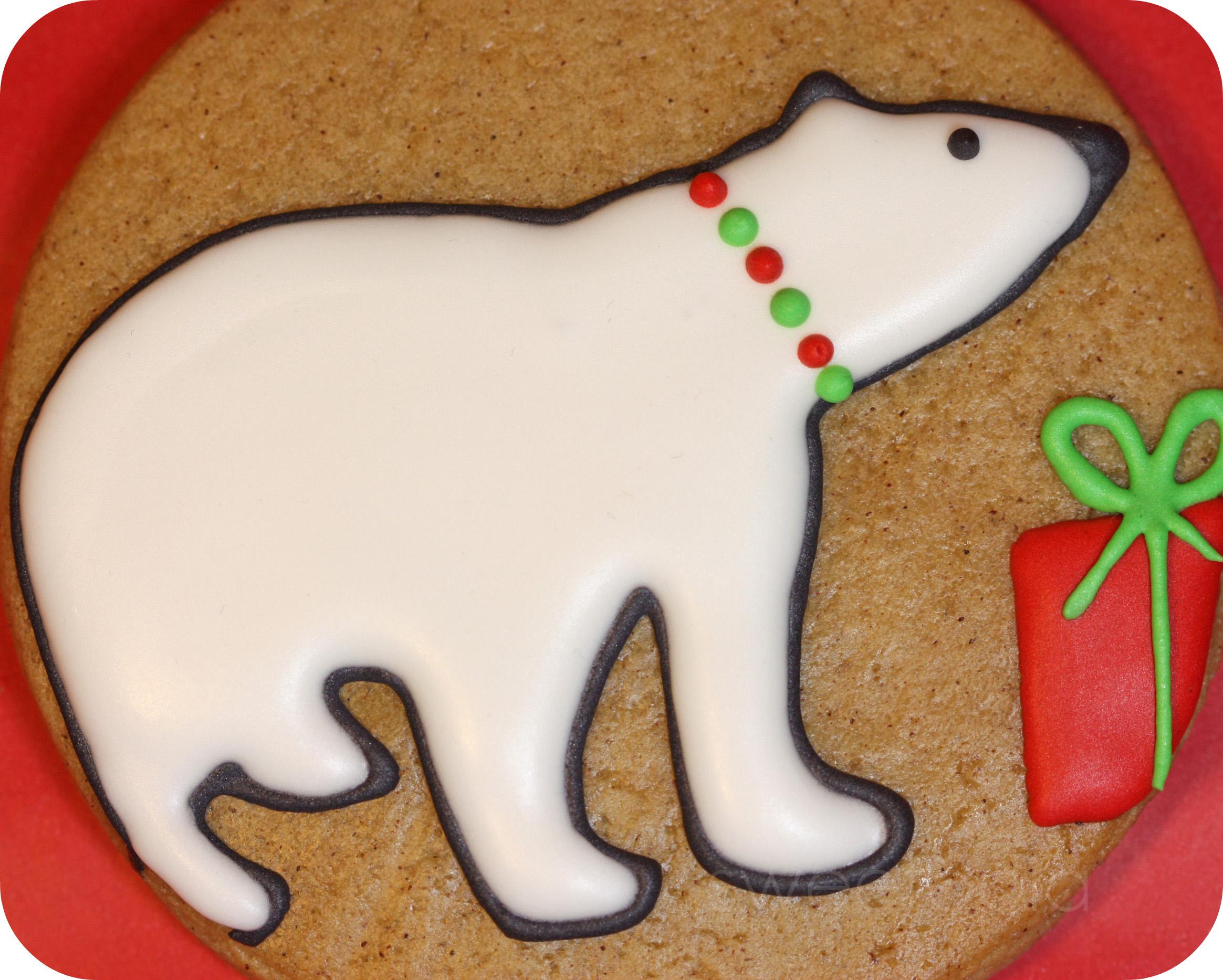 polar bear gingerbread cookie_edited-5