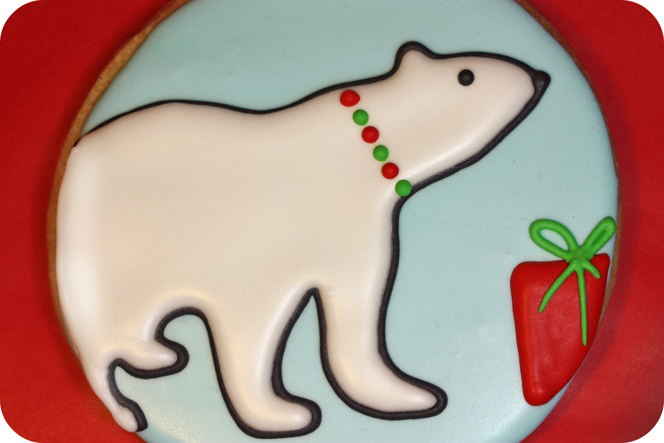 polar bear sugar cookie